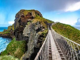 Weitere Impressionen aus Nordirland: Die Carrick-a-Rede-Hängebrücke, ...