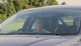 Ein Taxifahrer (Andrew Scott) entführt einen Mitarbeiter des sozialen Netwerks Smithereen.