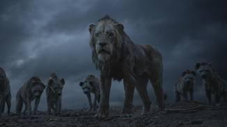 Scar ernennt sich nach Mufasas Tod kurzerhand selbst zum König der Löwen.