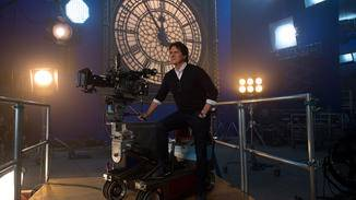 """Regisseur Rob Marshall outet sich im Clip als absoluter """"Mary Poppins""""-Fan."""