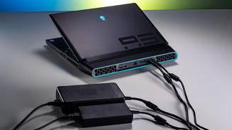 Die beiden Netzteile erhöhen das Gewicht noch zusätzlich.