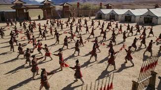 Die Soldaten werden trainiert, bevor sie in den Kampf ziehen.