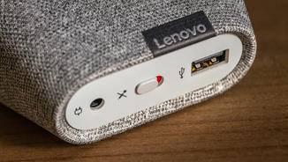 Der Schalter stellt das Mikrofon an oder aus.