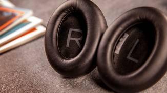bose-headphones-700-10
