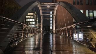iPhone 11 Pro Max Brücke mit Nachtmodus
