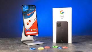 Das Smartphone selbst ist in Just Black und Sorta Sage erhältlich.