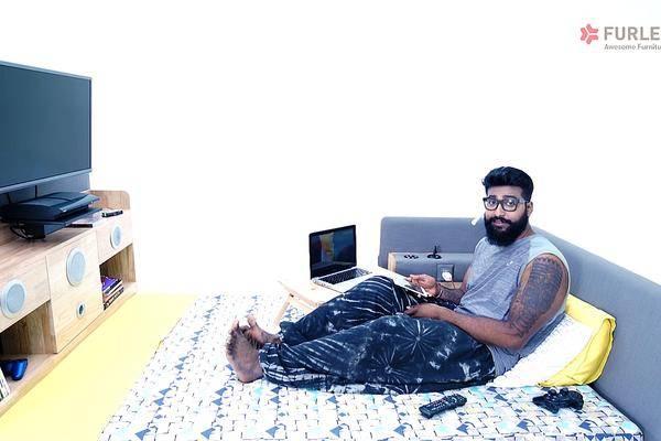 Bett Mit Eingebautem Fernseher: Der Furlenco Pod