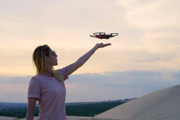Mini-Drohne mit Kamera: 6 Kompakt-Quadcopter für Einsteiger