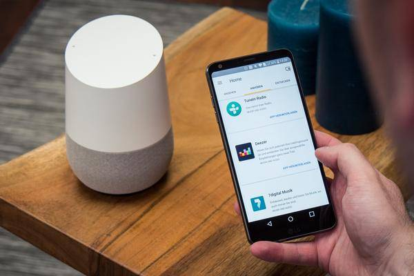 google home assistant bekommt m nnliche stimme. Black Bedroom Furniture Sets. Home Design Ideas