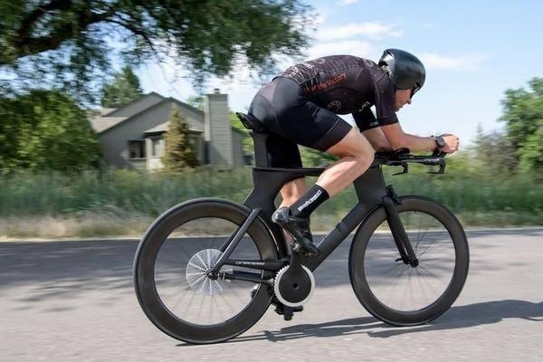 eurobike 2018 ultra effizientes fahrrad ohne fahrradkette. Black Bedroom Furniture Sets. Home Design Ideas