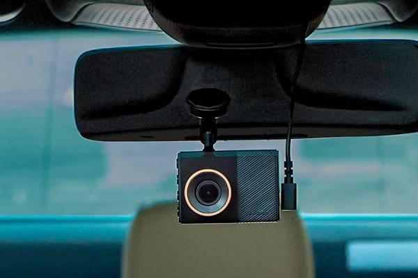 dashcam kaufen die 7 besten videokameras f rs auto. Black Bedroom Furniture Sets. Home Design Ideas