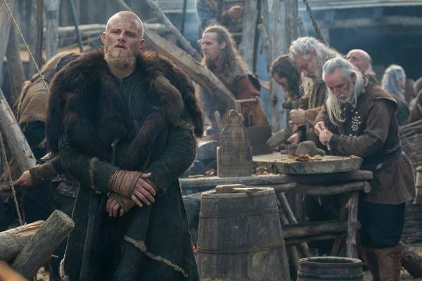 """Neuer """"Vikings""""-Trailer: Ein lebendiger Björn, Schlachten & Seemonster"""